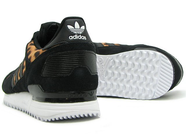 Women\'s Adidas Originals ZX 700 Shoes Core Black/Leopard/Ftw White M21336