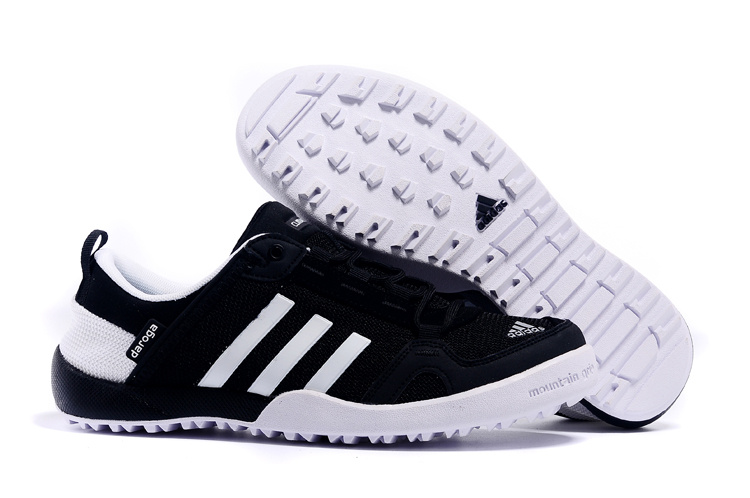 Men's Adidas Outdoor Daroga Two 11 CC Shoes Core Black/Running White D98804