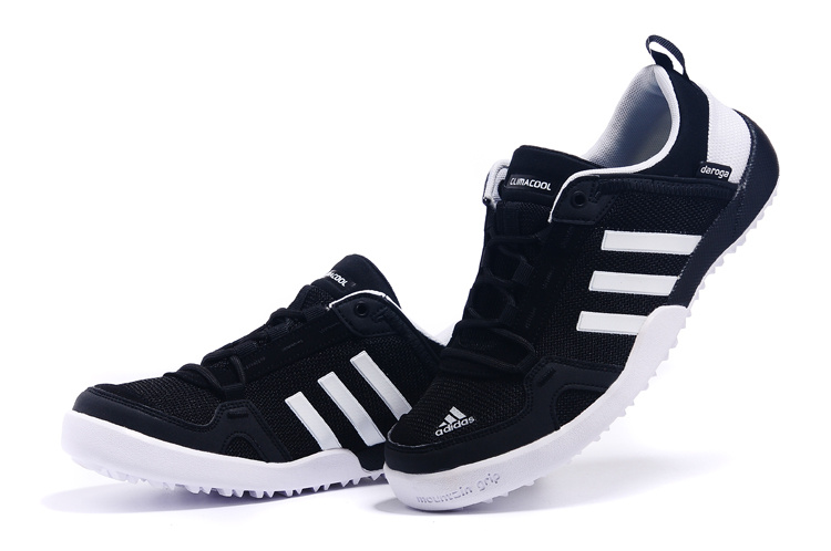 Men\'s Adidas Outdoor Daroga Two 11 CC Shoes Core Black/Running White D98804