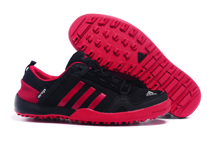 Men's Adidas Outdoor Daroga Two 11 CC Shoes Black/Crimson D98802