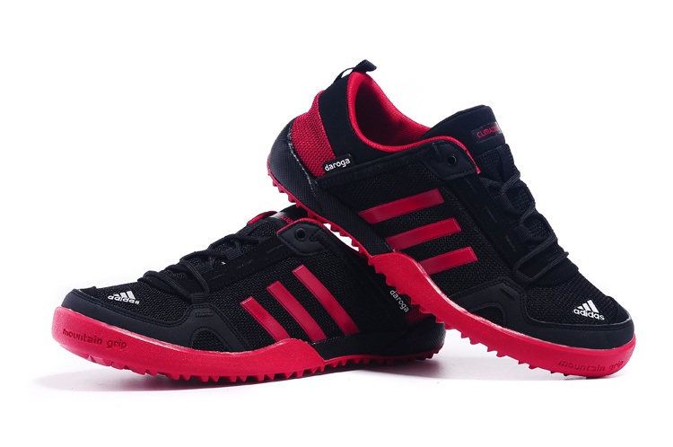 Men\'s Adidas Outdoor Daroga Two 11 CC Shoes Black/Crimson D98802